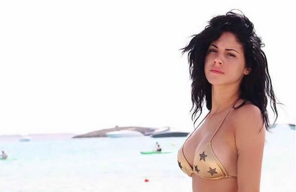 giulia-delellis-photoshop-bikini